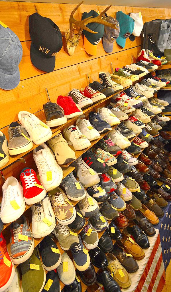 古着屋カチカチ店内画像Tokyo Japan Used Clothing Shop04