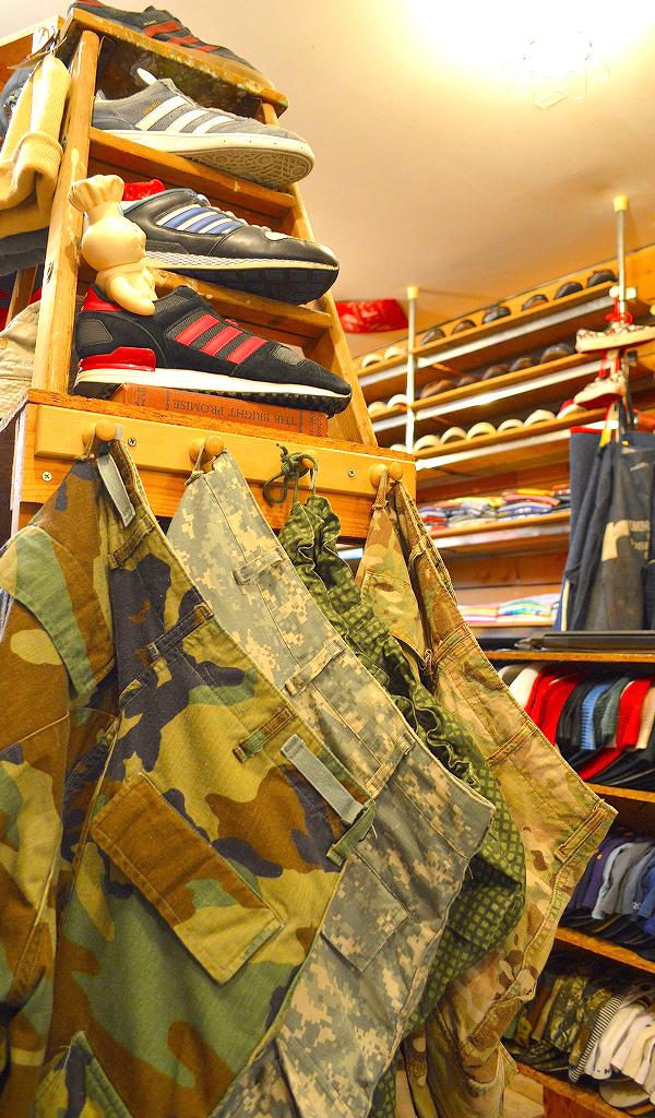 古着屋カチカチ店内画像Tokyo Japan Used Clothing Shop07