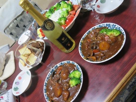 パンとワインとビーフシチュー