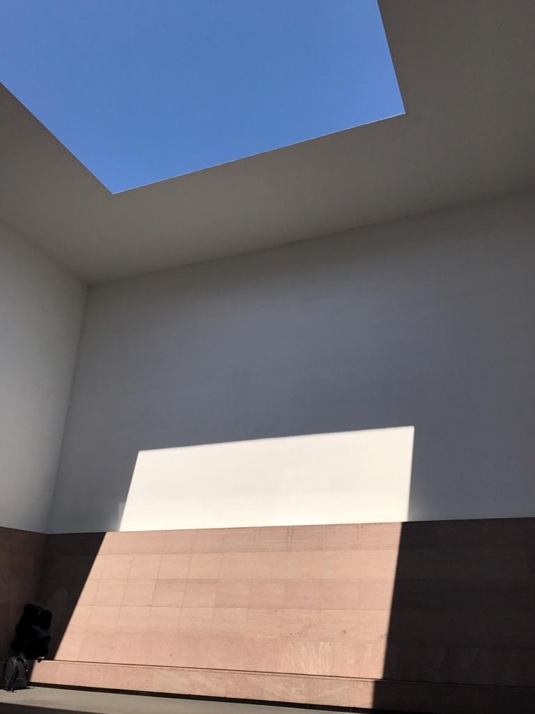 美術館タレル部屋全景