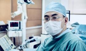 インプラントと歯周病治療のかなざわ歯科医院