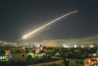 4881-340シリアを攻撃