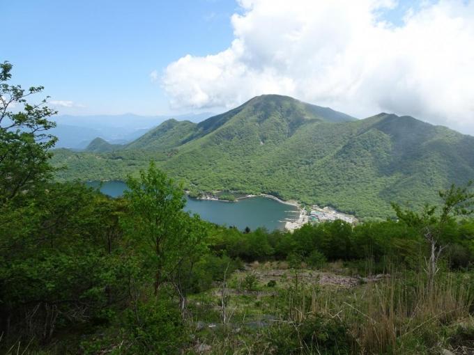 黒檜山と大沼