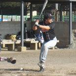 4回表、伊藤幸が適時二塁打を放つ