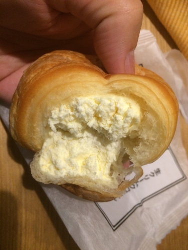 生クリームクロワッサン(カスタード)北海道産生乳クリーム使用