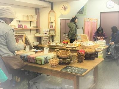 桜の空の雑貨市 (2)
