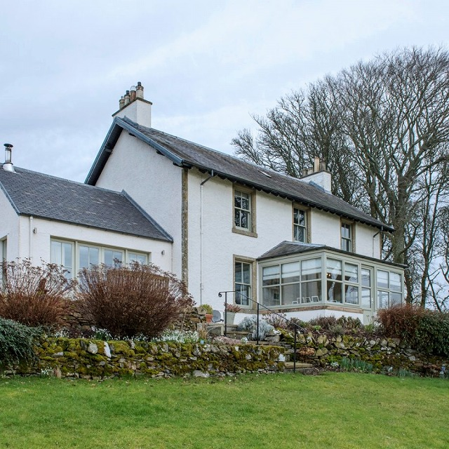 CHI-Feb18-Farmhouse-in-Scotland-2-920x920.jpg