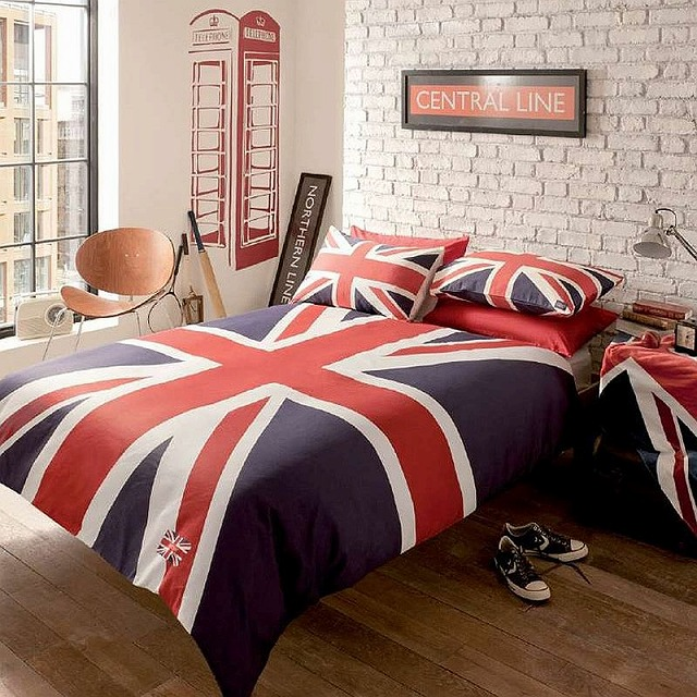 Exquisite-kids-room-with-brick-walls-and-Union-Jack-bedding.jpg