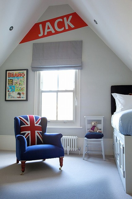 Modern-Victorian-style-kids-room-in-white-with-pops-of-red-and-blue.jpg