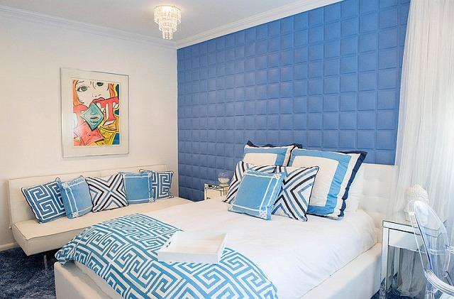 Serene-teen-bedroom-in-white-and-blue.jpg