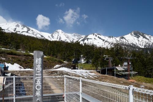 御岳ロープウェイ山頂駅からの眺望