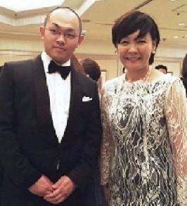 安倍昭惠が「誘拐殺人犯」と驚きのツーショット!