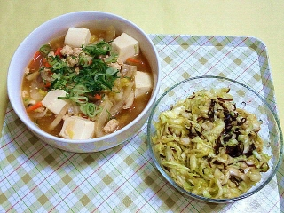 CAI_180531_5155 豆腐と白菜、鶏挽肉の中華風そぼろあんかけ・キャベツの塩昆布和え_VGA