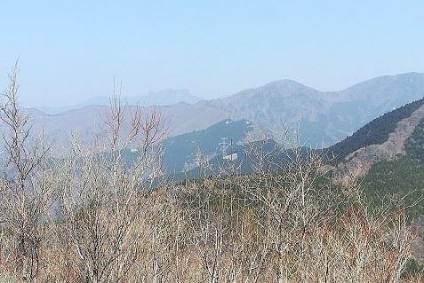 13 稲村が岳 遠くに