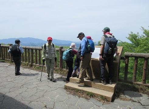 12 高城山の展望デッキ