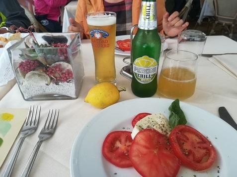 27 カプリ島の昼食