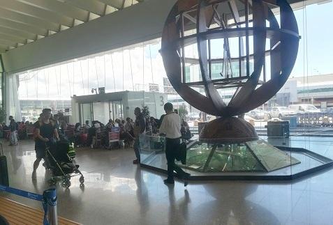 32 ローマのレオナルドダヴィンチ国際空港