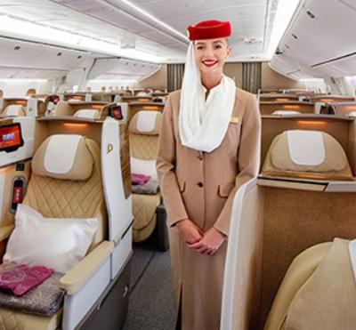13 エミレーツ航空のCA写真