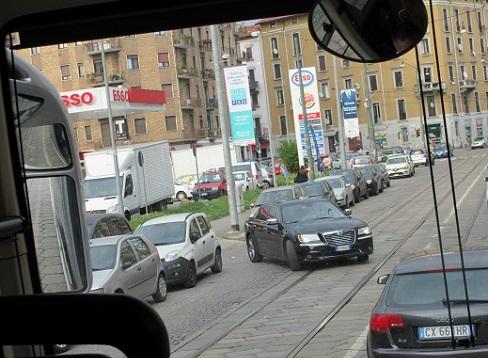 3 ミラノ市内・バスからの車窓