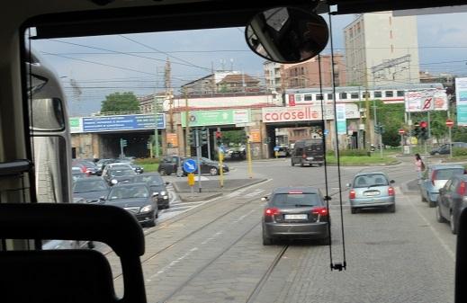 4 ミラノ市内・バスからの車窓 郊外