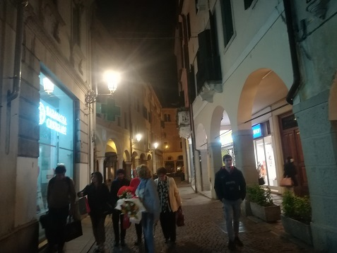 9 パドヴァの夜景