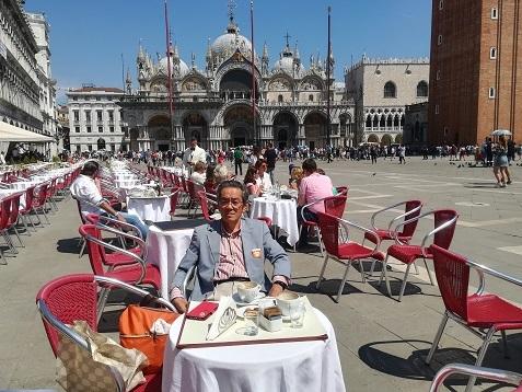 4 ヴェネツィア・サンマルコ広場のオープンカフェ