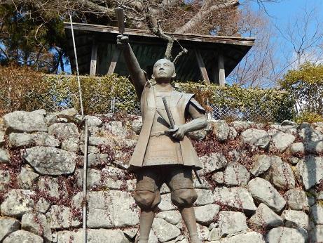 もっと、茨城マイラブ♪ 藤田小四郎像と梅