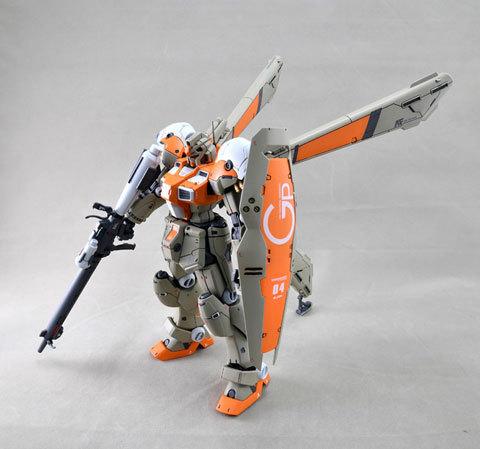 RE/100 GP04ガンダム試作4号機ガーベラ