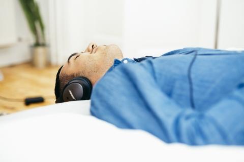 寝ながらきくヘッドホン