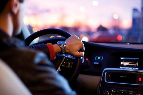 ドライバー 運転