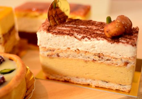 アヴァロン「栗とヘーゼルナッツのお菓子」