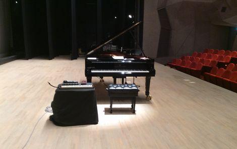 ピアノまわり