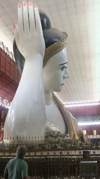 ヤンゴン 涅槃像にて10  (3)