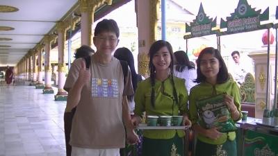 ヤンゴン 涅槃像にて3