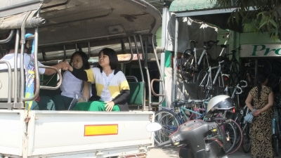 ヤンゴン ロンジー学生6 (3)