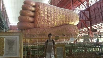 ヤンゴン 涅槃像にて12