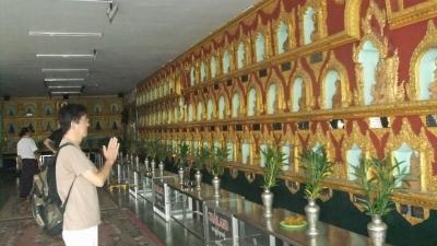 ヤンゴン 涅槃像にて14