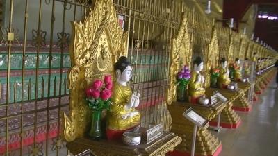 ヤンゴン 涅槃像にて21 (1)