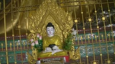ヤンゴン 涅槃像にて21 (8)