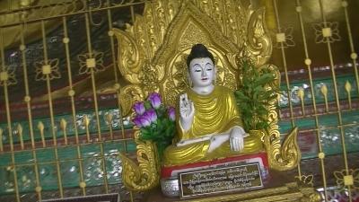 ヤンゴン 涅槃像にて21 (7)