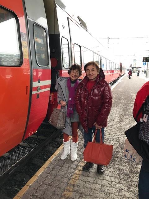 ベルゲン電車2人