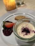 木苺のムースとマドレーヌ