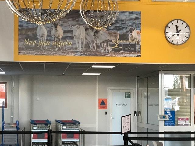 イヴァロ空港