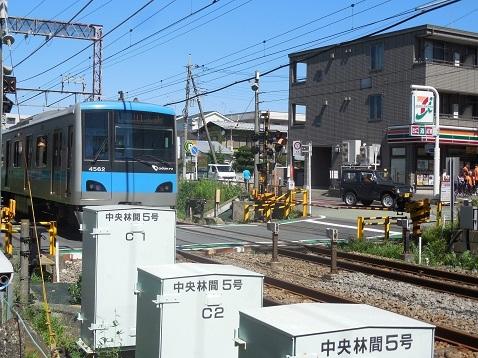 小田急江ノ島線の中央林間5号踏切@大和市g