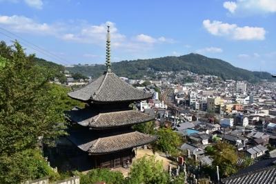 天寧寺三重塔越しの山陽本線
