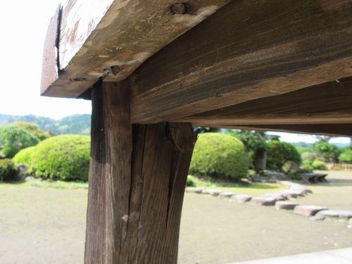 IMG_7613豫章館角柱(修理前)