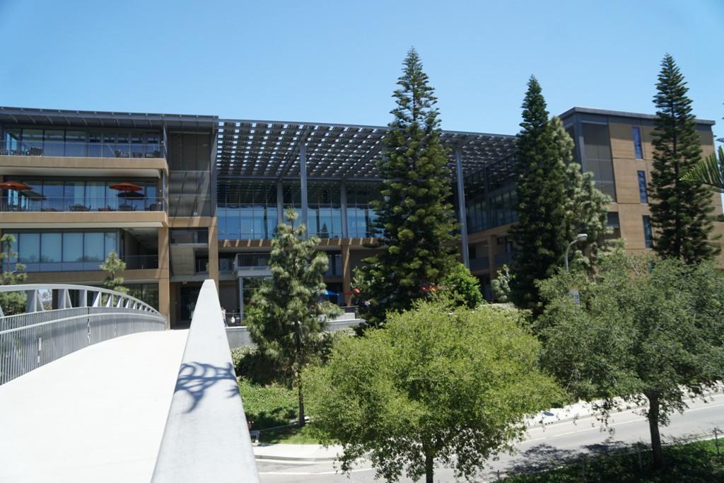 カリフォルニア大学アーバイン校...