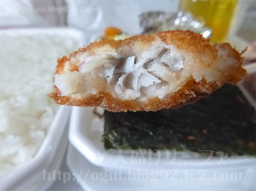 サクッとした食感で肉厚な白身魚053