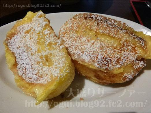 パン食べ放題のフレンチトースト113