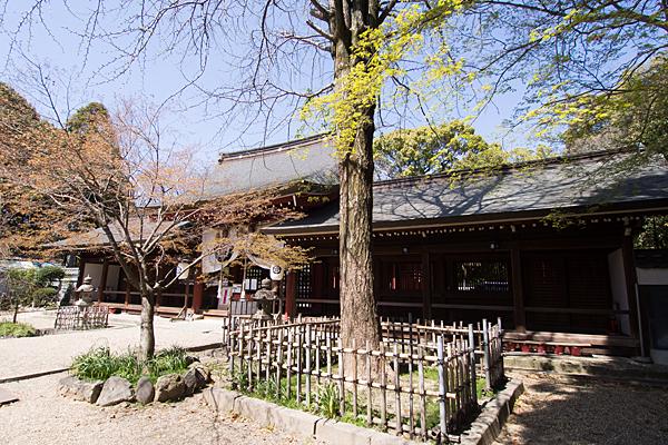 富部神社祭文殿と回廊